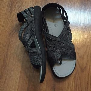 NWOT Merrell sandals